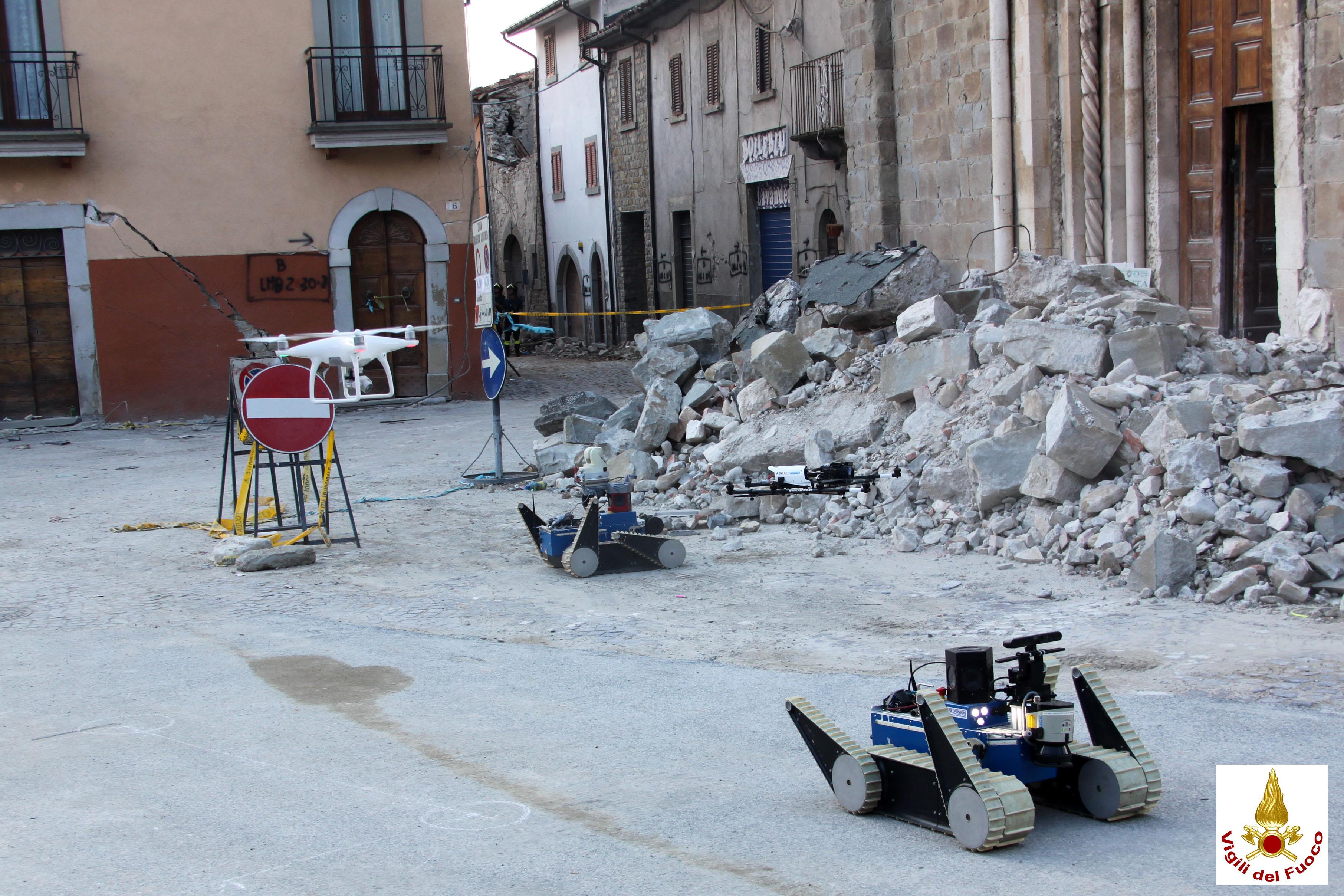 TRADRandVigiliDelFuocoAmatriceRobots
